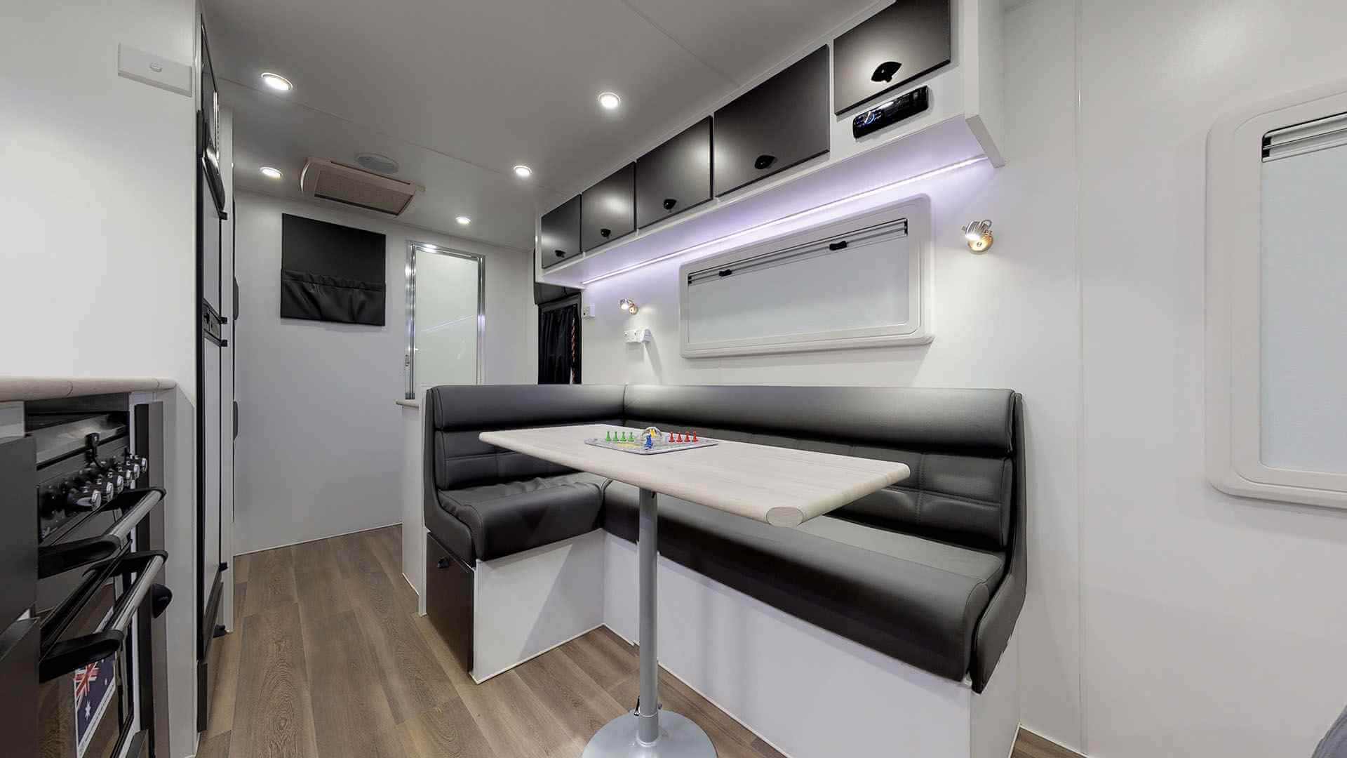 21ft Ultimate Family Design Rear Door Tour Image 16