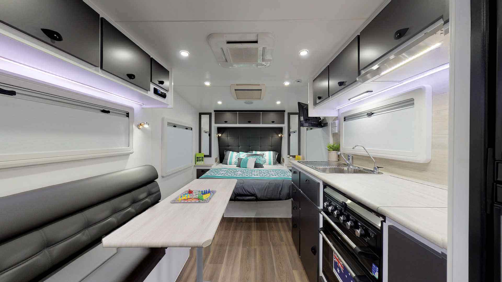 21ft Ultimate Family Design Rear Door Tour Image 5