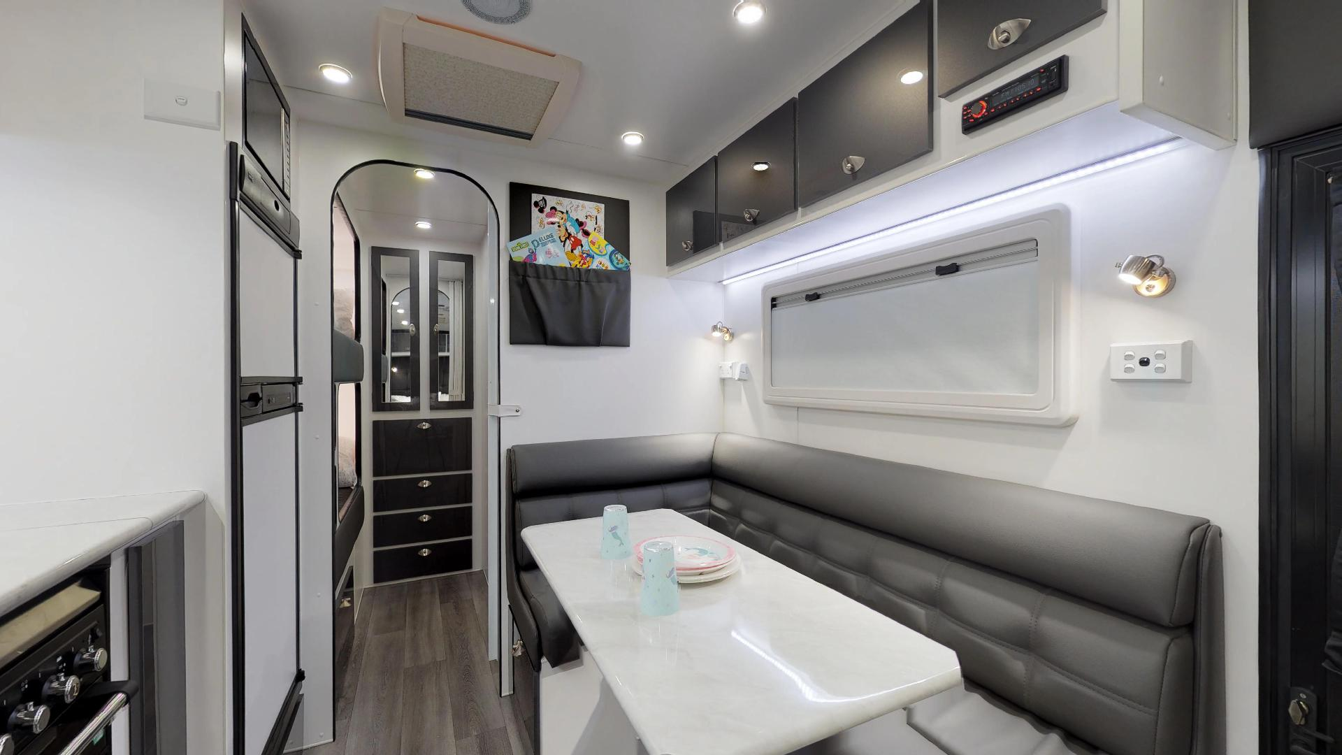 21ft Ultimate Family Design Tour Image 12