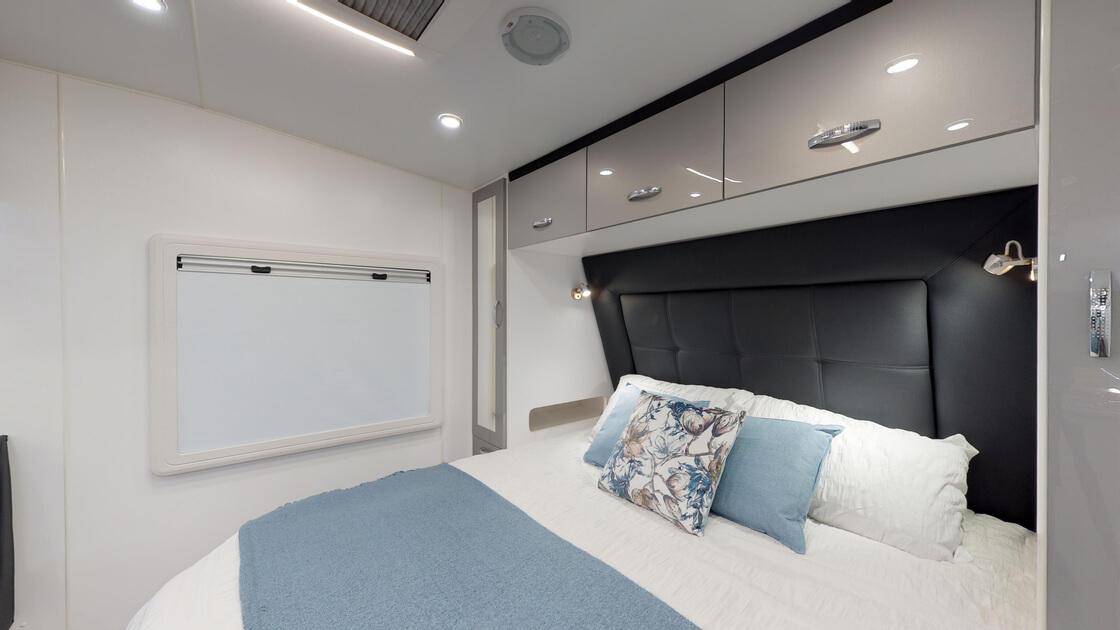21ft-ultimate-family-design-rear-door-2020-internal-photo-11