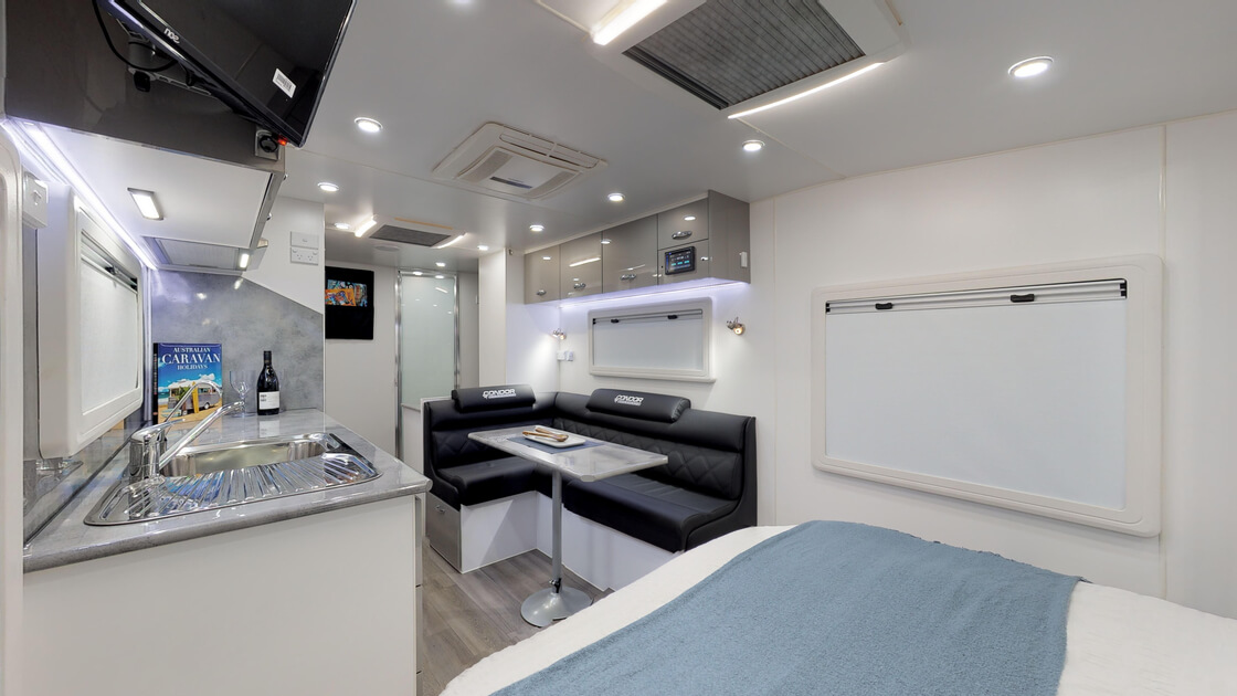 21ft-ultimate-family-design-rear-door-2020-internal-photo-12