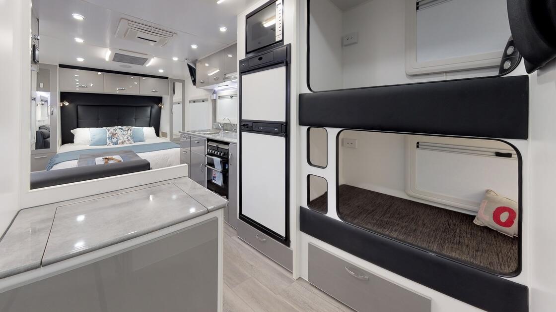 21ft-ultimate-family-design-rear-door-2020-internal-photo-15