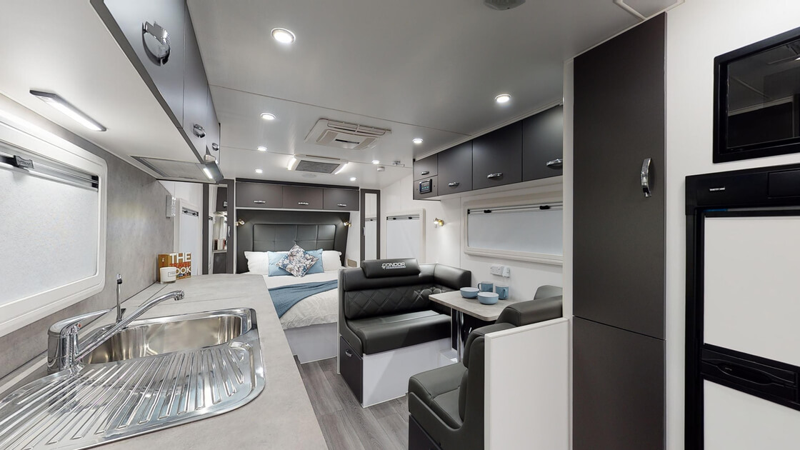 21ft-bluewave-internal-photo-18