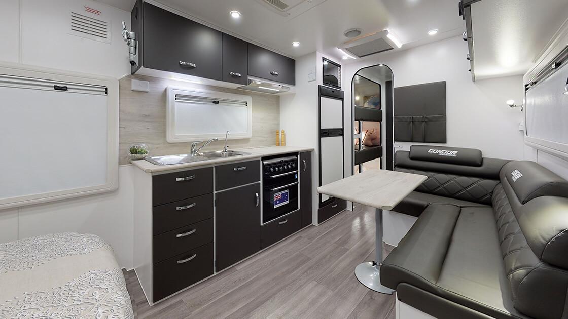 21ft-ultimate-family-design-2021-interior-photo-1