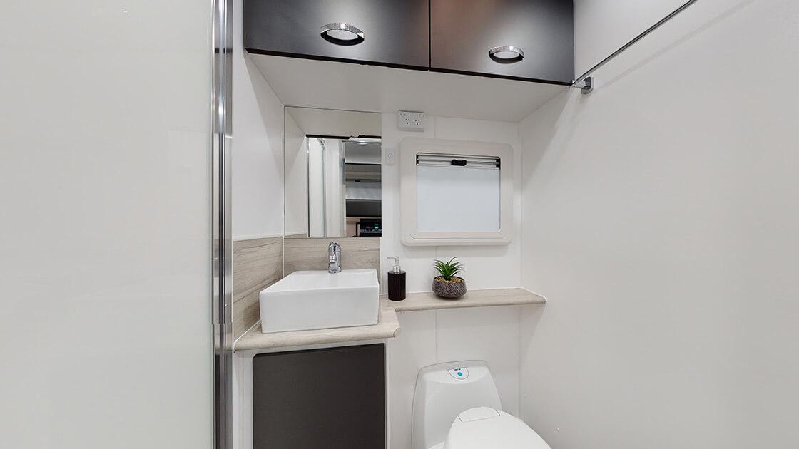 21ft-ultimate-family-design-2021-interior-photo-12