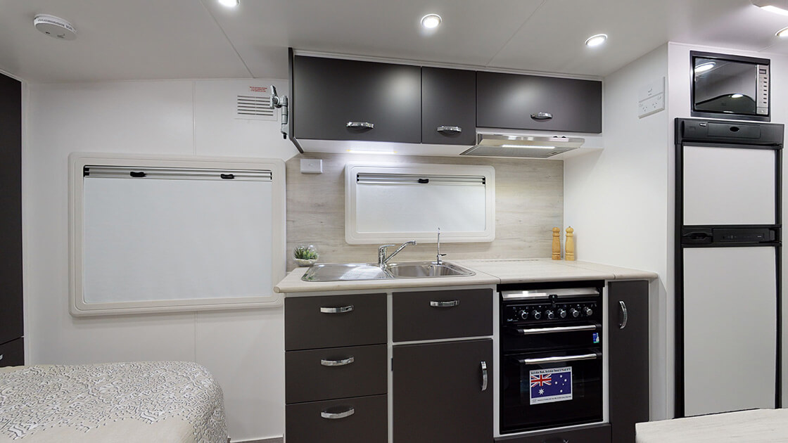 21ft-ultimate-family-design-2021-interior-photo-14