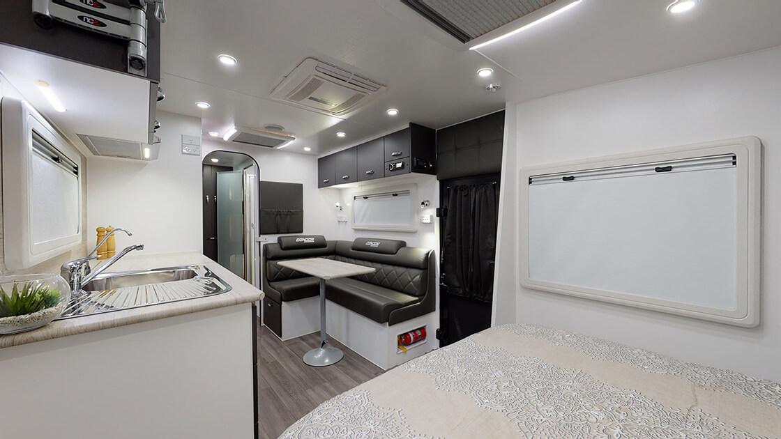 21ft-ultimate-family-design-2021-interior-photo-9