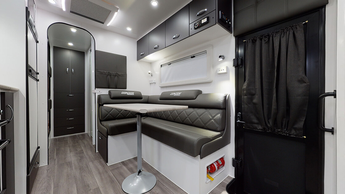 23ft-ultimate-family-design-2021-interior-photo-17