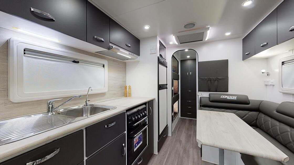 23ft-ultimate-family-design-2021-interior-photo-20