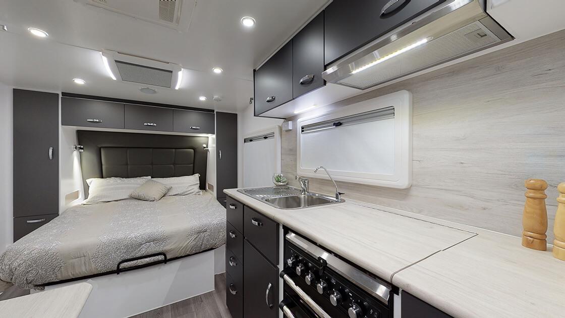 23ft-ultimate-family-design-2021-interior-photo-9